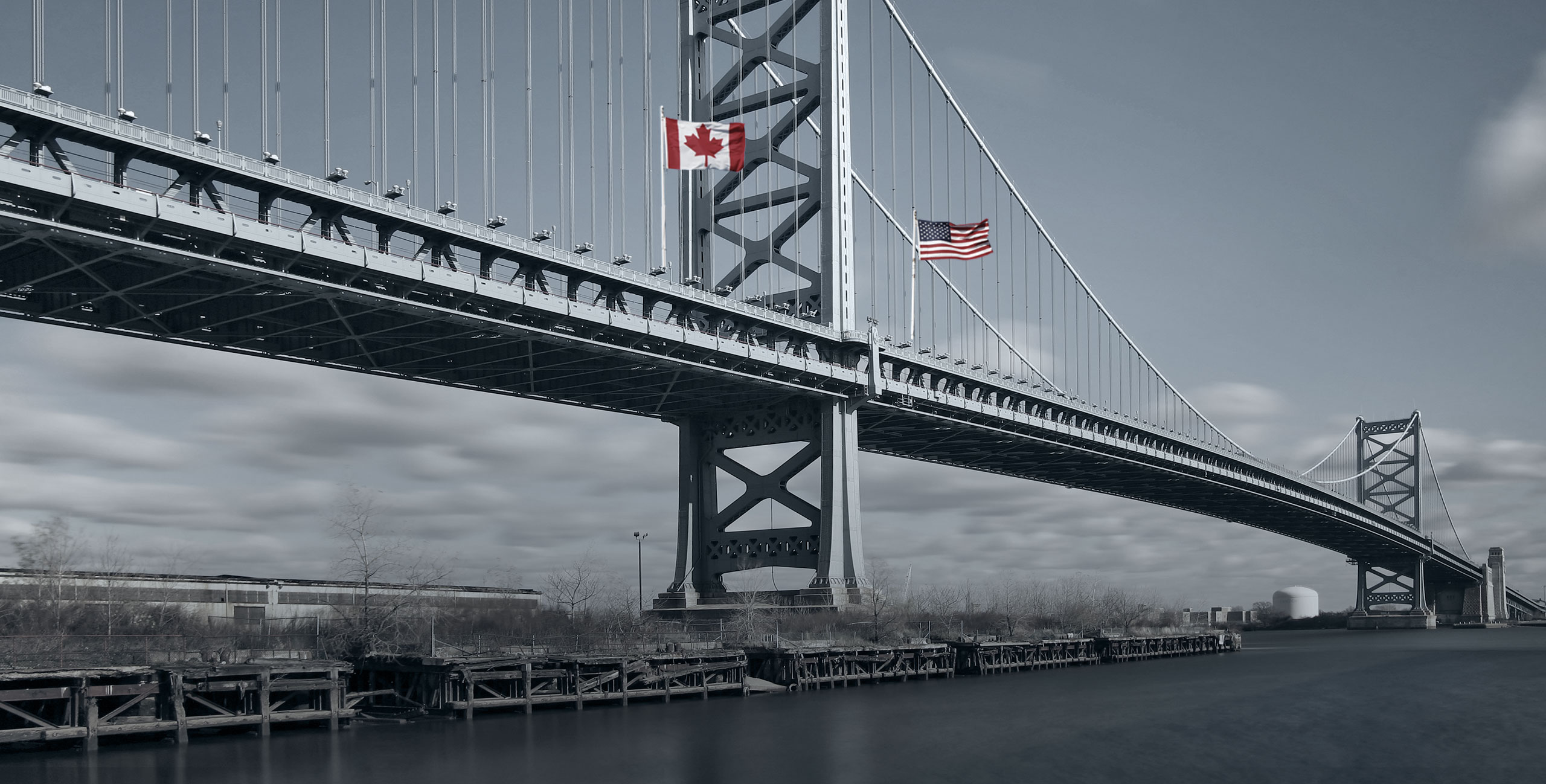Bridge spanning between Canada and the USA